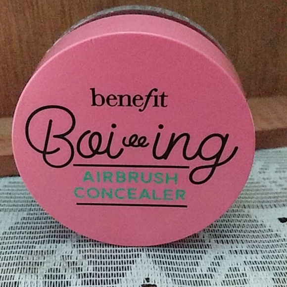 Benefit Cosmetics Other - Benefit Boi ing Airbrush Concealer